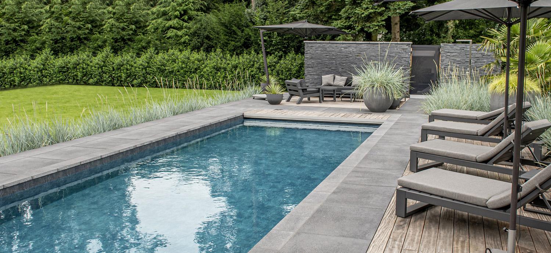 PoolDesign Relaxed Garten